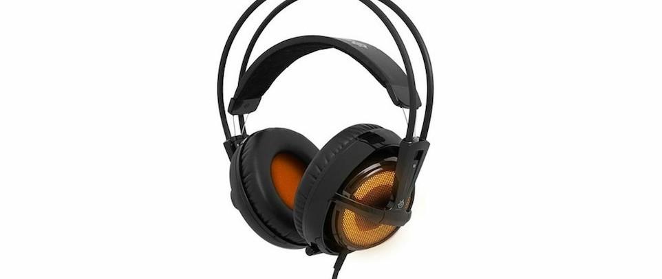 Das Headset verfügt auf jeder Außenseite der Ohrmuschel über orangene LED–Leuchten, die über die SteelSeries Engine exakt an die Wünsche des Anwenders angepasst und in 6 verschiedene Beleuchtungs-Modi betrieben werden können.