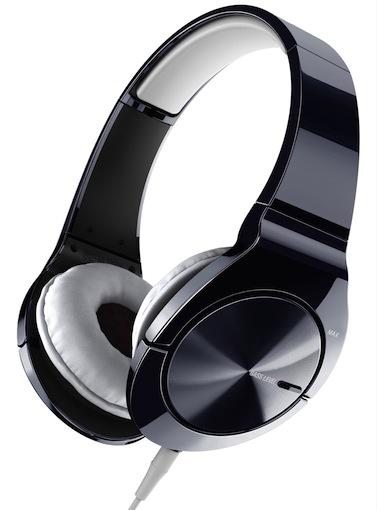 Um einen optimalen Hörkomfort zu gewährleisten, sitzen die hochwertigen weichen Ohrpolster bequem über Kopf und Ohren.