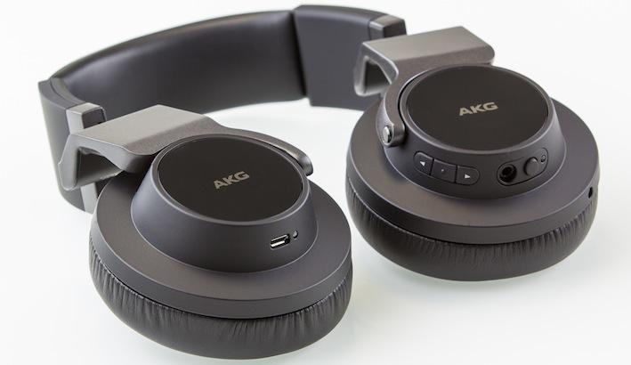 Über den Mini-USB-Port lässt sich der integrierte Akku des K845BT aufladen.
