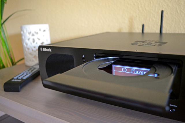 Für Freunde der klassischen HiFi ist natürlich auch ein CD-Player an Bord der Boombox.