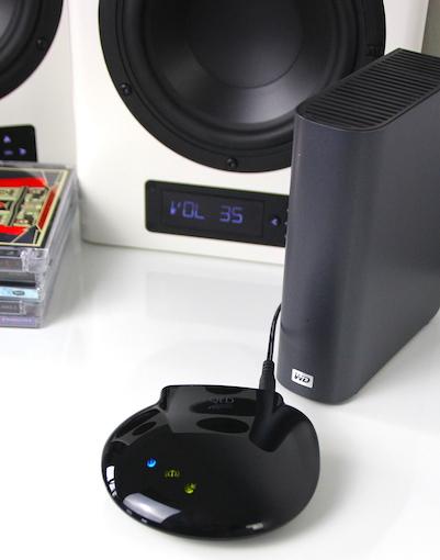 Kompaktwunder: QEDs uPlay Stream ersetzt jede kabelgebundene Audio-Quelle und ist in der Lage Dateien in einer Abtastrate von bis zu 92 Kilohertz entgegenzunehmen.