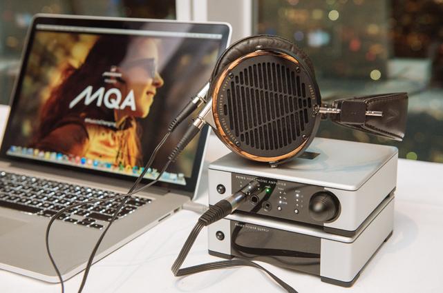 """""""MQA liefert einen klaren, akkuraten und unverfälschten Signalpfad vom Tonstudio bis zur jeweiligen Hörumgebung – ob zu Hause, im Auto oder unterwegs"""", so Bob Stuart, der Pionier hinter der MQA-Technologie."""