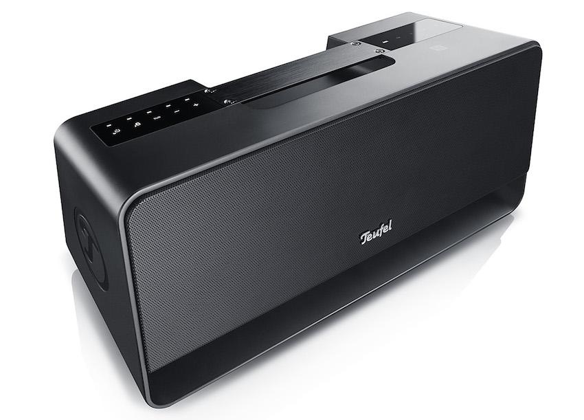 Kompakt, handlich und sinnvoll ausgestattet verspricht Teufels Boomster Praktikabilität und kabellosen Musikgenuss.