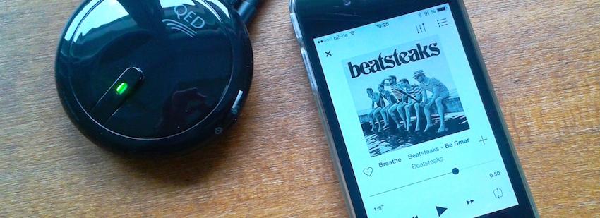 Ist der uPlay Puck dann einmal installiert, lassen sich die auf dem Handy oder Tablet gespeicherten Songs bequem vom Sofa aus über die HiFi-Anlage wiedergeben.
