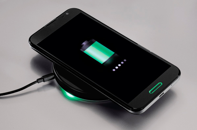 Positiver Energie Fluss Smartphone Ladegerat Mit Qi