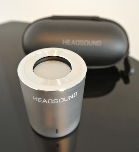 Der integrierte Breitbänder strahlt seine Klanganteile nach oben ab.