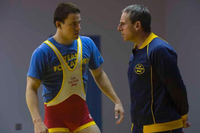 Trotz seiner limitierten Kenntnisse des Ringens sieht er sich als geeigneter Coach für die jungen Athleten. (© Koch Media Film)