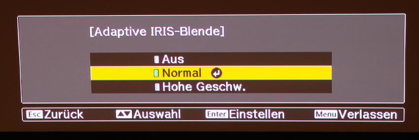 Die adaptive Iris-Blende ist in drei Stufen justierbar.