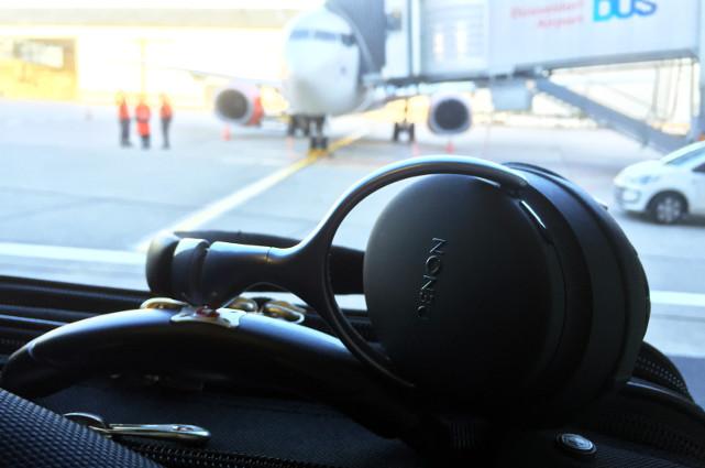 Unterwegs genau richtig: Der Globe Cruiser ist dank Noise Cancelling im Flugzeug Gold wert.