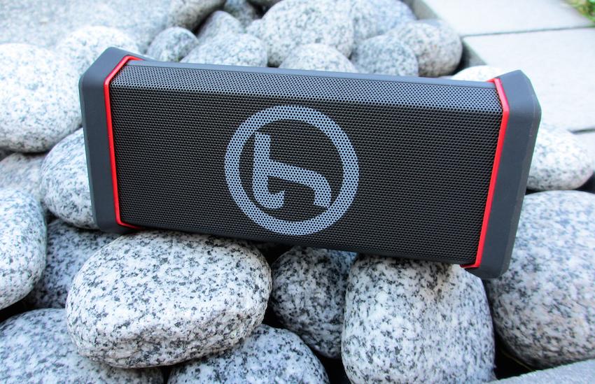 Der kompakte Bluetooth-Bolide aus Berlin zeigt sich als hervorragend verarbeitet und modern wie sinnvoll ausgestattet.