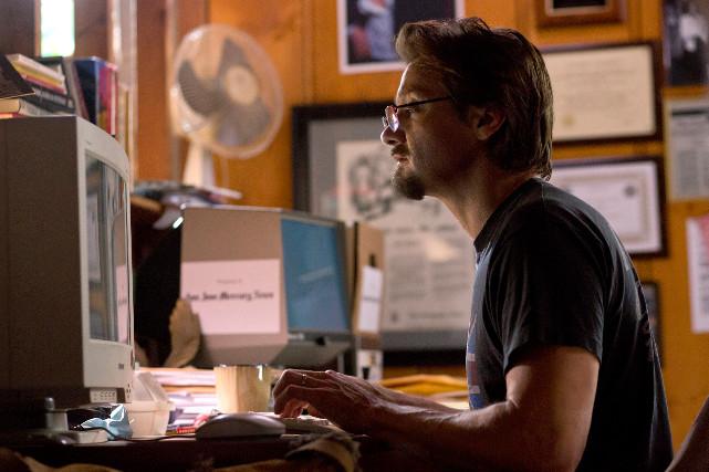 Investigativjournalist Gary Webb (Jeremy Renner) hat eine große Story am Haken. (© Universal Pictures)
