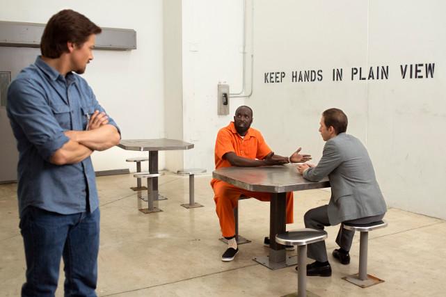 Zunächst sucht Webb den Konktakt zu Drogendealern... (© Universal Pictures)