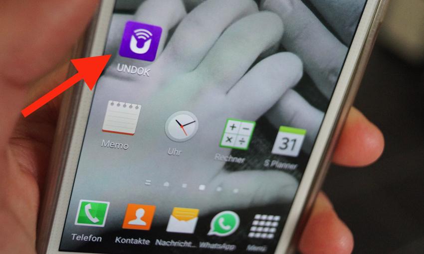 Ist die Undok-App erst einmal installiert, lassen sich alle Funktionen auch bequem vom Sofa via Smartphone vornehmen.