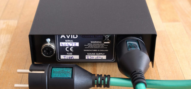 IsoTek EVO3 Initium – Preisbewusstes High-End-Netzkabel mit Stil
