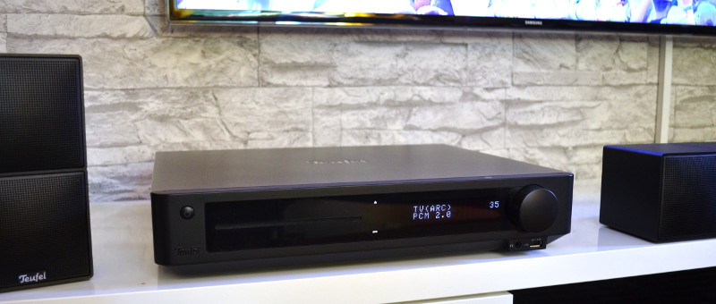Auch wenn viel drinsteckt: Der Blu-ray-Receiver IP 8000 BR lässt sich platzsparend unterbringen.