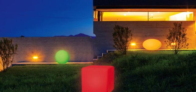 Perfekte Inszenierung: Farb-LED-Solar-Leuchten der Marke TELEFUNKEN