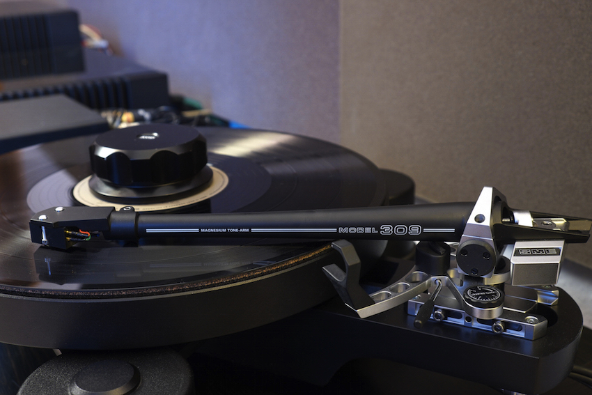 Hochwertiger Tonarm zum hochwertigen Plattenspieler - und beides natürlich von der Insel: Der SME 309 passt mit seiner tollen Verarbeitung, wie auch optisch hervorragend zum AVID.
