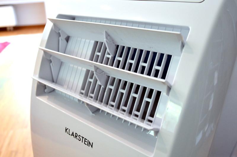 Mit der Schwenkfunktion werden die Lamellen in der Front automatisch gleichmäßig geöffnet und geschlossen.
