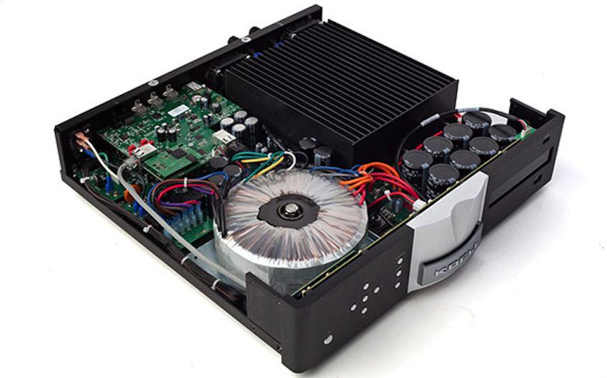 Mit der Aktualisierung der Software wird der Internet-Radiodienst vTuneraktiviert, sowie der Zugriff auf die Streamingdienste Deezer* und Tidal* ermöglicht.