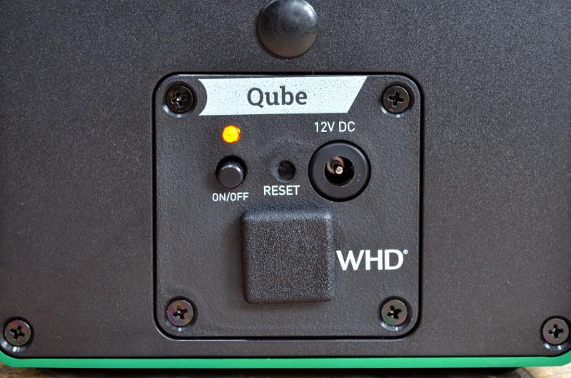 Um den Qube2Go in einem anderen WLAN einzubinden, lässt er sich per Reset-Knopf zurücksetzen.