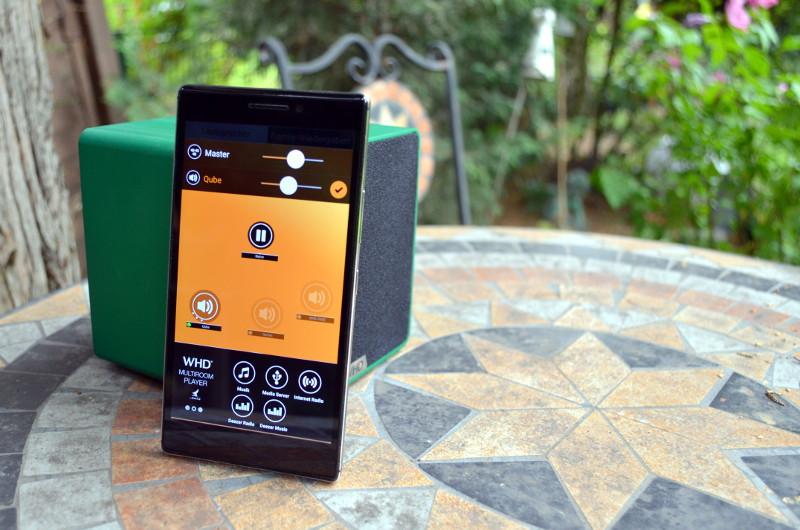 Falls gerade keine Internetverbindung in Reichweite ist, können Musikdateien vom Smartphone auch über das WLAN des Qube2go zugespielt werden.
