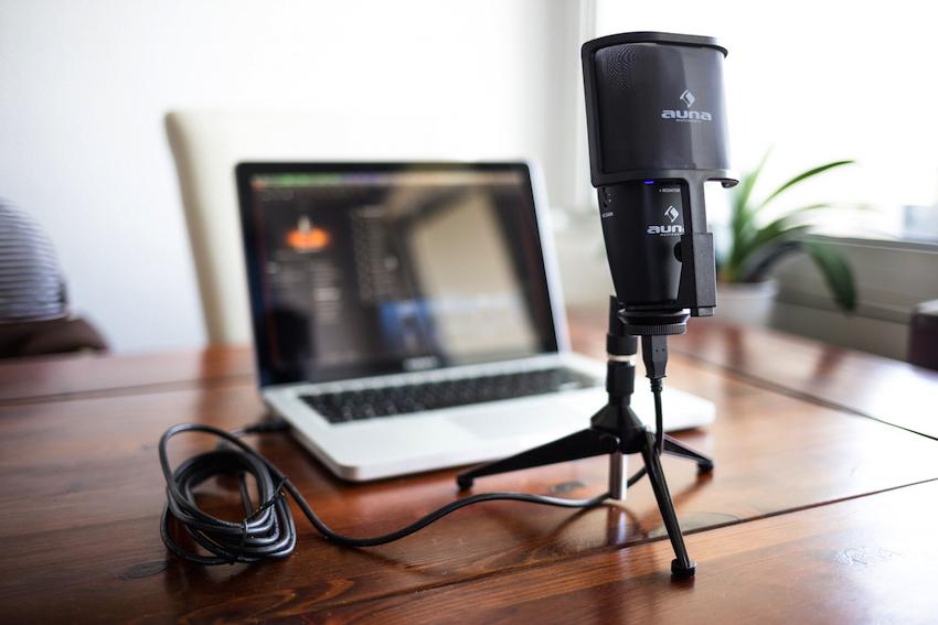 Einfacher geht es nicht. Um ordentliche Aufnahmen zu erstellen, benötigt es lediglich eines kompatiblen Laptops und der Auna Studio-Pro.