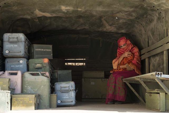 Als sie allerdings zufällig auf die Schwiegertochter eines Talibankommandanten stoßen, sehen sie ihre Chance zur Rettung von Jake und Rich gekommen. (© EuroVideo Medien GmbH)