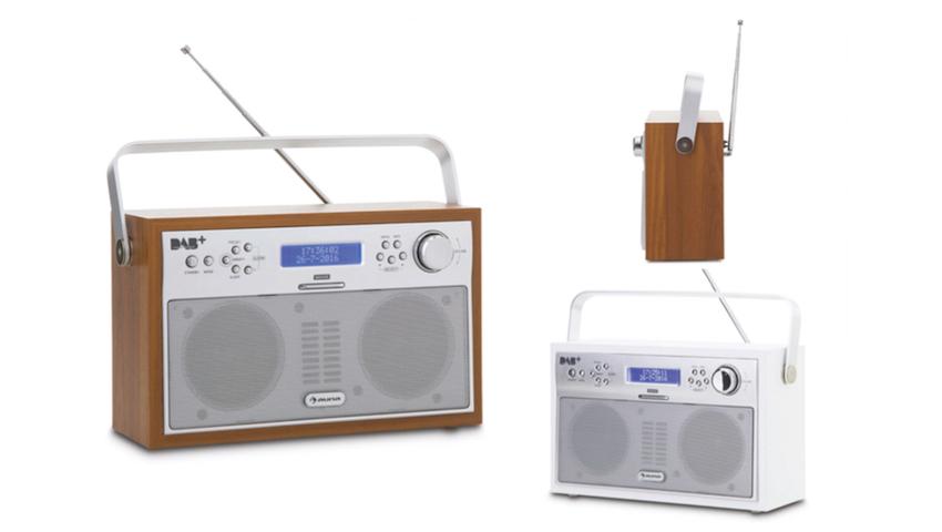 Das tragbare Digitalradio auna Akkord überzeugt durch klassisches Retro-Design kombiniert mit zeitgemäßer Radiotechnik.