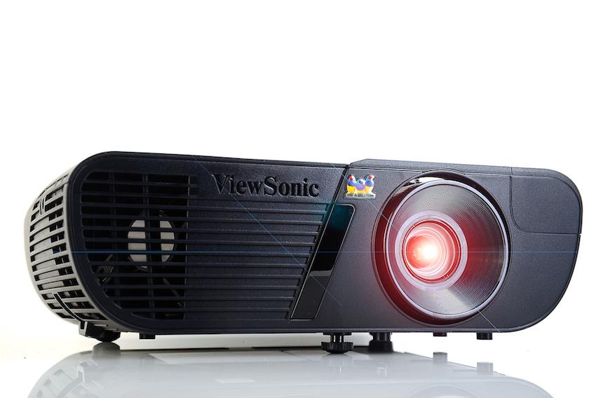 Der ViewSonic Pro7827HD besitzt einen ANSI-Kontrast von 725:1. Foto: Michael B. Rehders