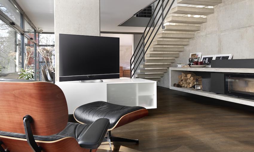 Metz präsentiert mit dem Novum OLED als einer der ersten Hersteller ein Fernsehgerät mit einem hochmodernen OLED-Display.