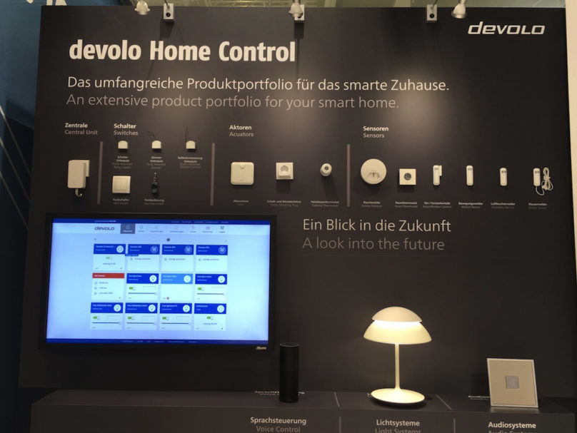 Nach dem enormen Erfolg seiner Home-Control-Sparte baut Devolo das hauseigene Programm weiter aus. Zu sehen gab es u.a. elegantere Schaltsteckdosen, Wasser- und Rauchmelder etc., sowie einen Blick auf die Beta-Version der neuen, noch intuitiveren Appsteuerung.