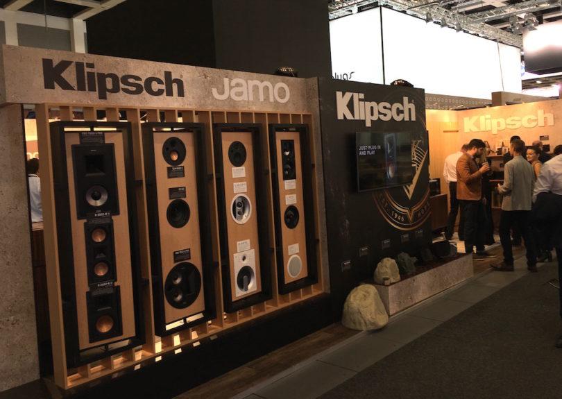 Im Bereich Zustrom Installation genießt Klitsch weltweit höchstes Ansehen. Entsprechen zeigen die Amerikaner eine beeindruckende Auswahl integrativer InWall. und InCeiling-Produkte.