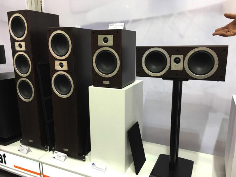 Magnat stellt den neuen Einstieg ins hochwertige Lautsprechersortiment vor. Name: Tempus. Eine Serie, die durch ihre sensationelle Preis/Leistungs-Performance HiFi- wie Heimkino-Ein- und Aufsteigern eine bislang unerreichte Klangqualität bieten will.