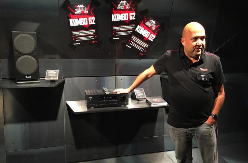 Kombo 62 nennt sich Teufels Stereo-Setup im klassischen HiFi-Design. Ausgestattet mit einem 2x100-Watt-Verstärker, DAB+, unsichtbar verstecktem CD-Laufwerk, Bluetooth-Anbindung und einem Pärchen hochwertiger Ultima-Regallautsprecher liefert Teufel echten HiFi-Sound ins Wohnzimmer.