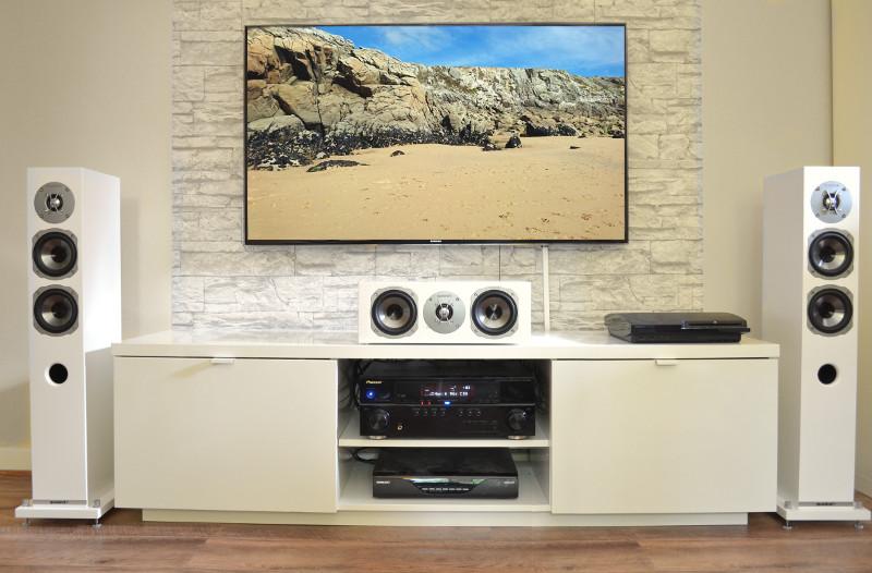 Die weiße Ausführung des Quadral-Sets eignet sich vor allem für enge Wohnräume sehr gut.