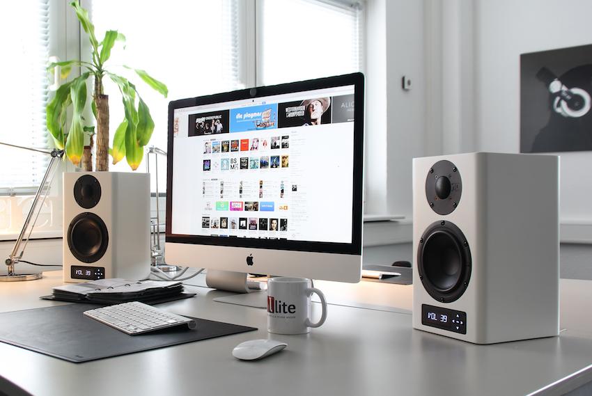 Die A-200 ist für mehrlei Einsatzzweck gedacht. Z.B. als kompaktes Aktivsystem für kleinere Wohnräume oder als Abhörmonitor auf dem Schreibtisch.