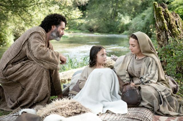Um Jesus in Sicherheit zu bringen, beschließen seine Eltern die Rückkehr in die Heimat - auch weil Josef (Vincent Walsh) im Traum sieht, dass Herodes gestorben ist. (© Concorde Home Entertainment)