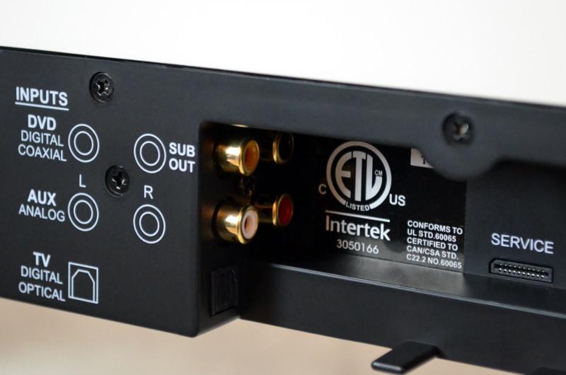 HDMI-Eingänge gibt es nicht, die DM 9 verfügt allerdings über einen optischen und einen koaxialen Digitaleingang, dazu einen Aux-Eingang sowie einen Subwoofer-Ausgang.