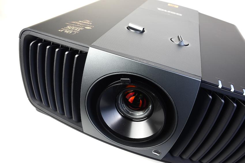 BenQ W11000 – Der 4K-Heimkino-Bolide für ultrascharfe Bilder und wunderbar natürliche Farben. Foto: Michael B. Rehders