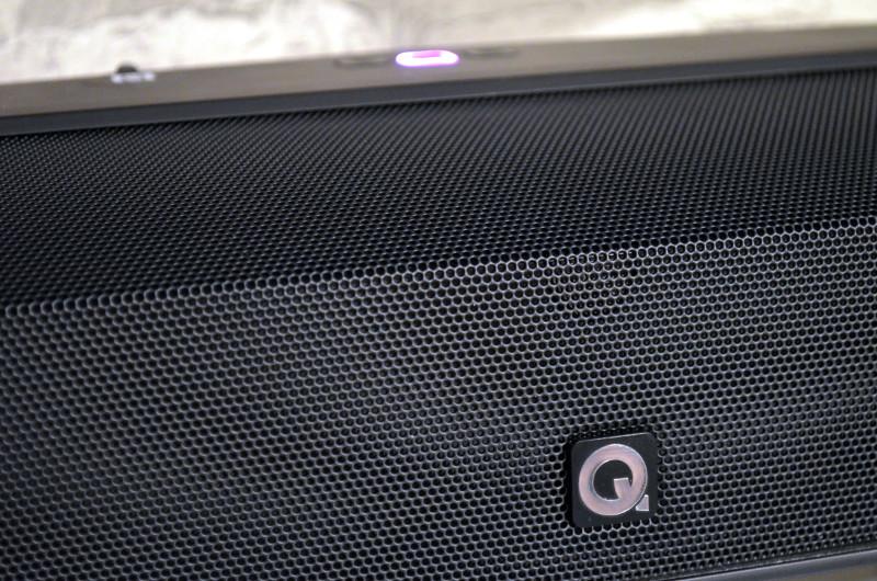 Das kurvige und abwechslungsreiche Design der M3 dient auch der Klangoptimierung.