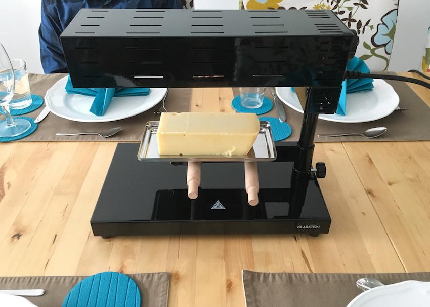 Das Appenzell 2G ist ein professionelles Raclette-Gerät in modernem Metallic-Look für traditionelles Käseschmelzen mit moderner Technik.