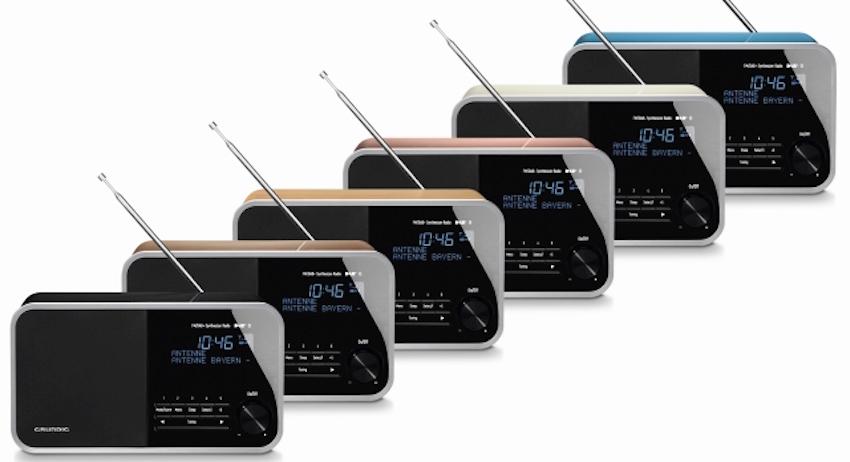 Im Holz-Gehäuse mit hochwertigem Mehrschicht- Klavierlack in sechs Farbvarianten bietet das elegante Klangwunder alle Vorzüge des modernen Digitalradios.