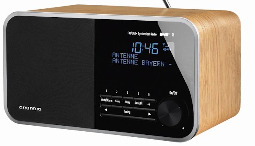 Eine Sound-Performance der Extraklasse, nicht nur beim Radio hören, bietet das DTR 4000 dank des klangstarken 30 Watt Bass- Reflex-Lautsprechersystems und der festprogrammierten Equalizer-Einstellungen.
