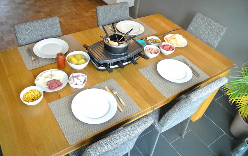 Mit wenigen Handgriffen verwandelt sich der Raclettegrill dann in eine clevere Raclette/Fondue-Kombination.