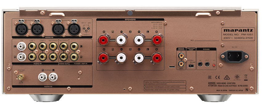 Hohe Leistung: 200 Watt pro Kanal bei 8 Ohm und 400 Watt pro Kanal bei 4 Ohm
