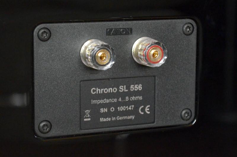 Die Schraubklemmen der Lautsprecher sind selbstredend sehr robust.