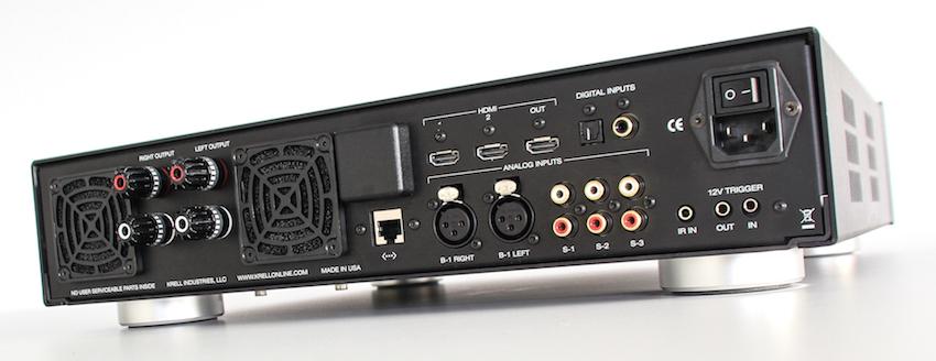 Mit dem optionalen Digital-Modul bietet der Krell Vanguard eine Vielfalt an Eingängen und Schnittstellen. Das Tor zur medialen Moderne ist die Ethernet-Buchse.