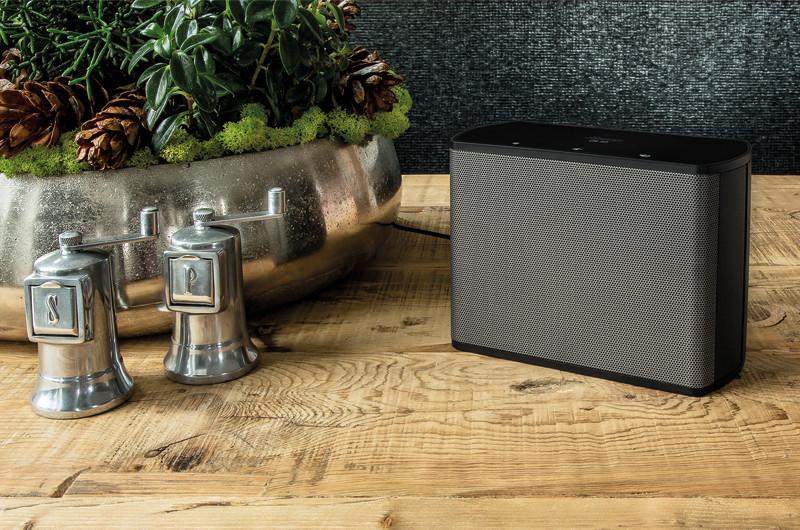 Als flexibler Begleiter sorgt der CS 10 auch in der Küche für Unterhaltung.