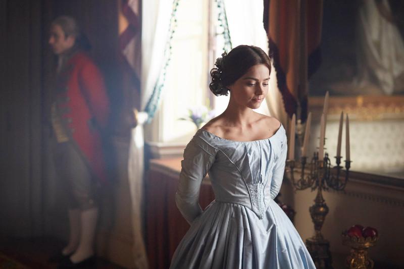 Nach dem Tod von König Wilhelm IV wird seine gerade 18-jährige Nichte Alexandrina Victoria (Jenna Coleman) zur neuen britischen Königin. (© Edel Germany)