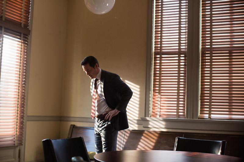 Strafverteidiger Richard Ramsay (Keanu Reeves) nimmt entgegen seiner Überzeugung einen sehr persönlichen Fall an. (© EuroVideo Medien GmbH)